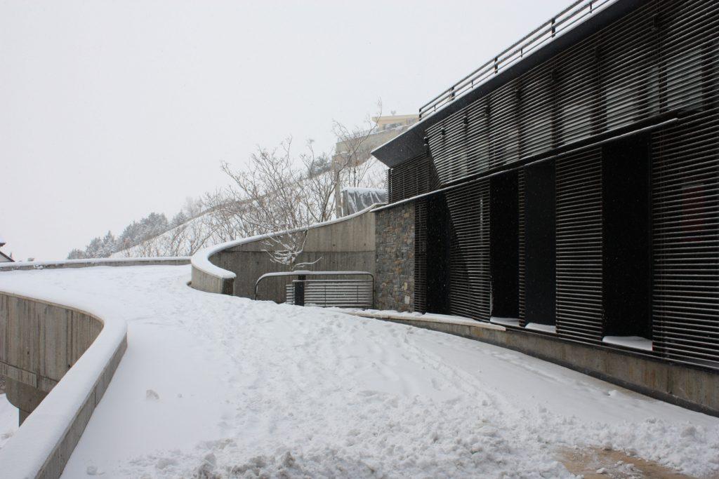 Mokhtari-villa-ramp